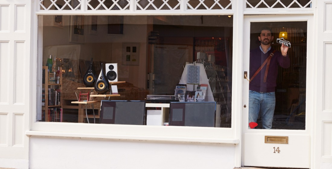 Small independent high street shop representing commercial buildings insurance